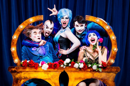 """Teatro: PRODUCCIONES YLLANA  """"THE OPERA LOCOS"""""""