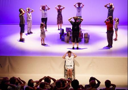 """Teatro: PERE FAURA """"BAILAR ES COSA DE LIBROS"""""""