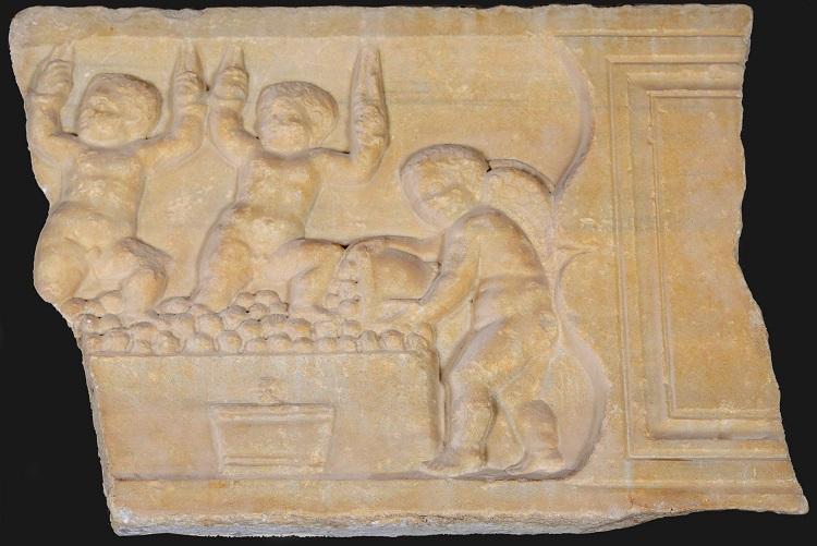 Benicàssim recupera el bajorelieve romano de Villa Elisa